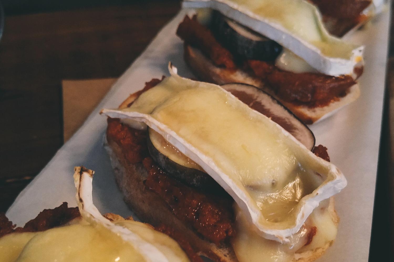 bruschetta-sobrasada-cateto-review-resenha-mooca-pinheiros-por-ai-comida-sao-paulo-um-cafe-pra-dois